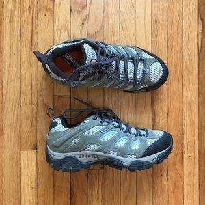Woman's Merrell hiking shoes